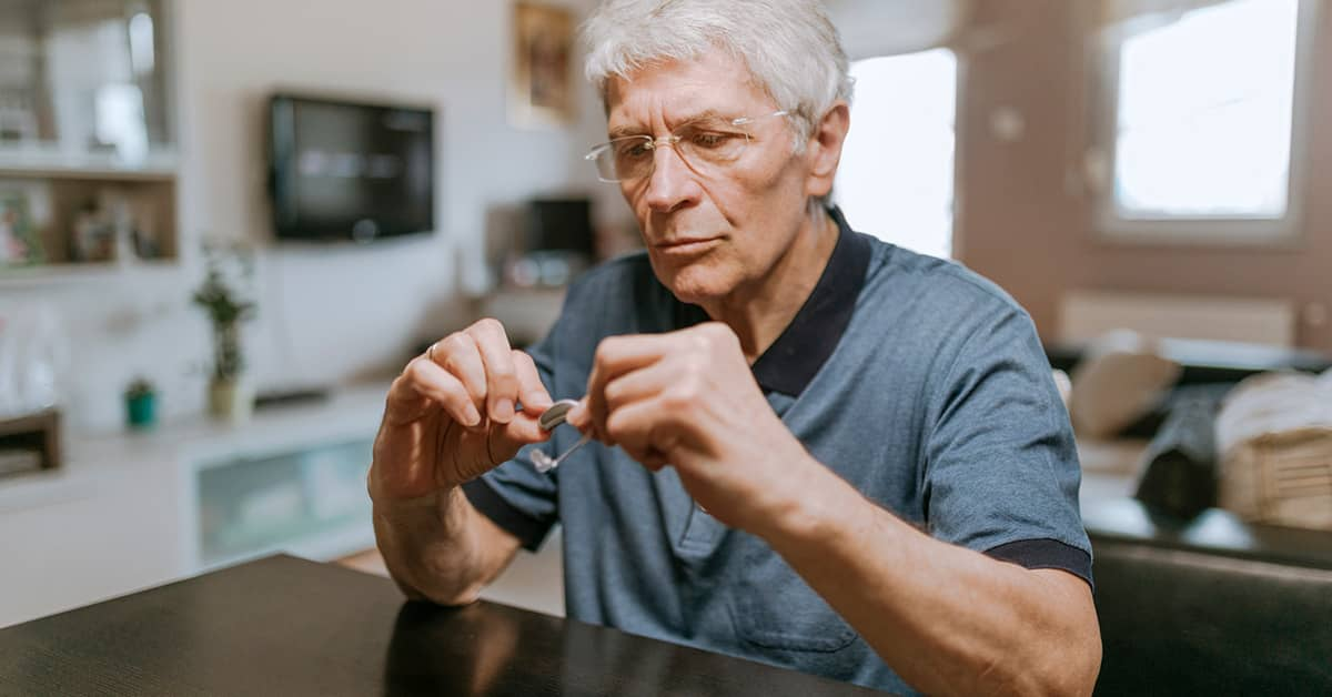 does medicare pay for hearing aids