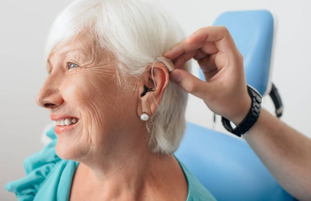 what causes hearing loss in one ear